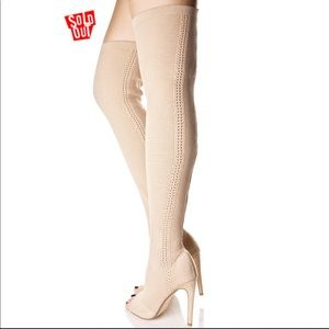 Super Sexy Thigh High Sock Boots in Nude Sz 7